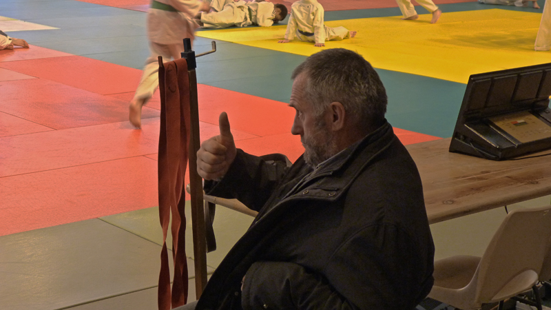 Michel Berthier encourage ses élèves
